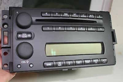 Excellent OEM GM AM/FM/CD Radio Part # 15243182  Type GMX245 L1