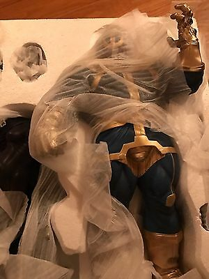 Sideshow Thanos And Mistress Death Statue Comiquette  Exclusive Mint Condition
