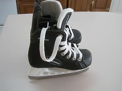 iTech/Bauer  Flyweight Youth size 11R ice skates, never used, out of box. LOOK
