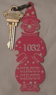 Extremely Rare Vtg. LAS VEGAS CASINO CIRCUS CIRCUS HOTEL KEY AND FOB not motel