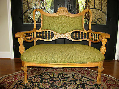 Beautiful Vintage American Country Carved Wood Cane SETTEE, original fabric
