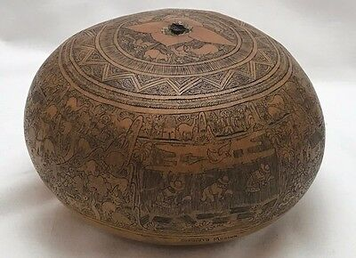 Large hand carved Peruvian Gourd signed Evaristo Medina-Very intricate detail