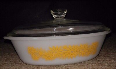 Vintage Antiques yellow daisy Glassbake 1 qt dish with lid