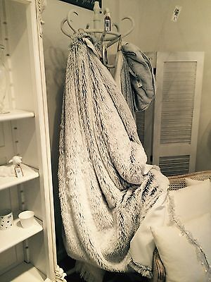 Stylish Gorgeous White - Grey Faux Fur Throw Blanket for Sofa or Bed Super Soft