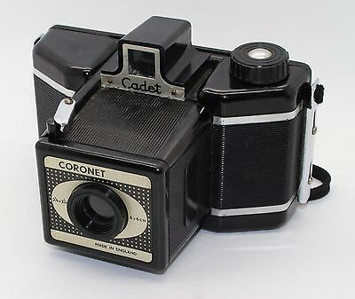 Coronet Cadet 120 Roll Film 6x6cm Bakelite Viewfinder Camera with bag: GC/Tested