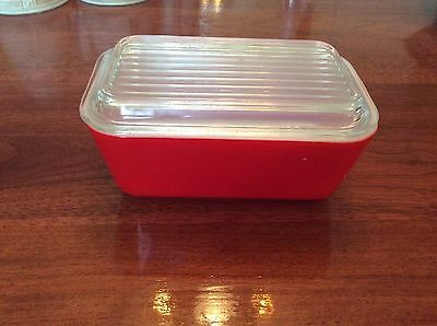 Pyrex Red Refrigerator Box With Lid