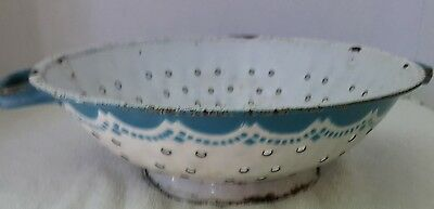 Graniteware Enamelware Bonny Blue Collander