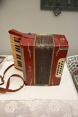 PETIT ACCORDEON / BANDONEON ANCIEN a restaurer