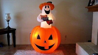 Airblown Inflatable Animated Ghost With Mars Candy In Pumpkin