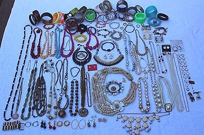 HUGE 134pc VINTAGE TO NOW COSTUME JEWELRY LOT Necklaces Bracelets Earrings 8lbs