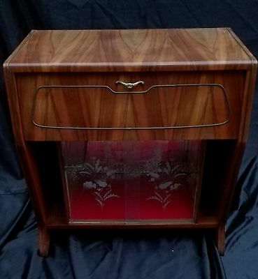 Vintage Antique English c1930 Art Decó  Walnut Cocktail Cabinet/Drinks Bar