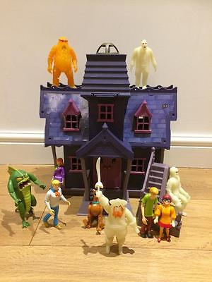 Scooby Doo Mystery Haunted Mansion & Figures Baddies Villians