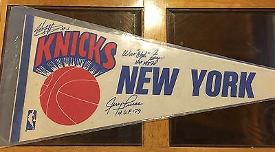 Vintage Ny Knicks Pennant Autos By Starks, Clyde Frazier And Jerry Lucas