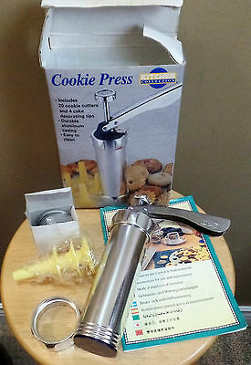 """NEW Boxed """"KITCHEN Collections"""" COOKIE PRESS Cookie Cutter KIT with Attachments"""