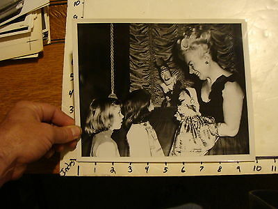 Vintage Puppet Marionette  Photo: FRIEDA'S PUPPETS with kids PUNCH jUDY ??