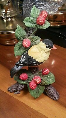 Vintage 1993 Sadek 9022 Goldfinch by Andrea Porcelain Figurine made in Japan