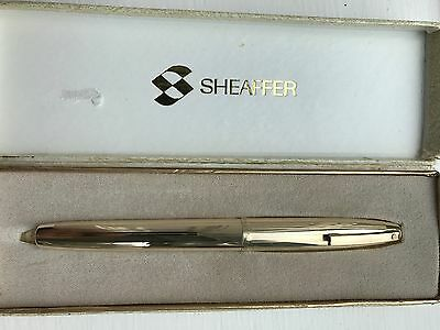 Vintage Sheaffer Triumph 777 fountain pen, Rolled gold body, 14k nib, c1974