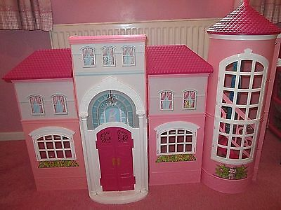 Used Barbie Malibu Dolls House With Dolls/accessories/car/speed Boat