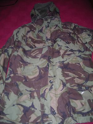 BRITISH ARMY RARE OLD STYLE DPM 1980s COMBAT JACKET WITH BUTTON ON HOOD