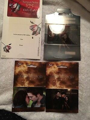 Twilight Saga New Moon Collectable Gift Cards (NO VALUE) FYE Hot Topic B&N