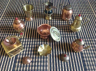 Vintage assorted miniature brass and copper pots sold as is