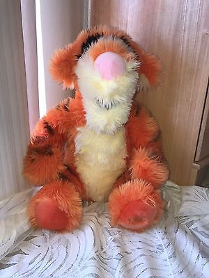 new Giant Plush Authentic Disney Store Exclusive TIGGER  Winnie the Pooh
