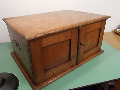 Antique Oak 3 Drawer Collectors Cabinet Circ.1900. For Refurbishment