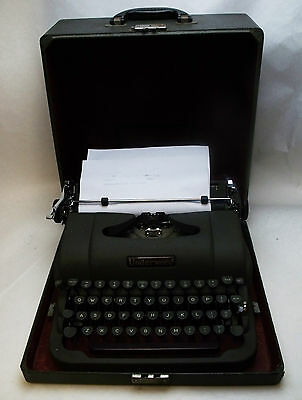 Vintage 1940s Underwood Grey Metal Typewriter with Travel Case