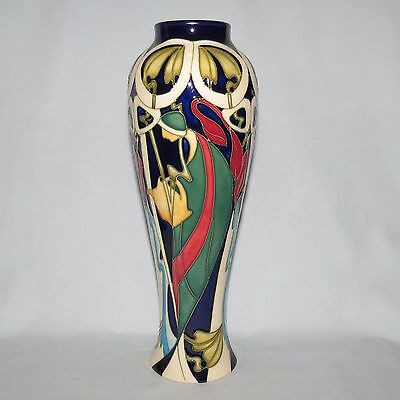 Moorcroft The Fair Lady Ltd Ed vase 121/10 Boxed FIRST QUALITY