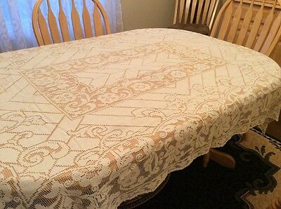 Vintage Lace Tablecloth . A Beauty In Wonderful Vintage Condition