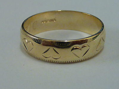 Ladies 9ct Gold Heart Patterned Wedding Band Ring - Size M -