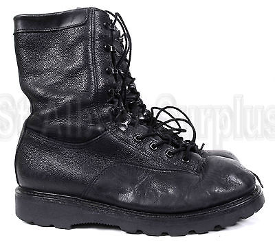 Canadian Army Combat Boots - Size 9 - 2019B61