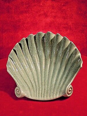 Red Wing Pottery Shell  Shaped Dish 1950s Green Murphy 1567 Color Rare