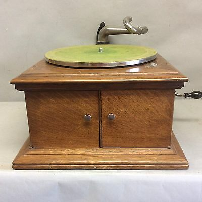 Victor Talking Machine Phonograph w/o Reproducer 1906