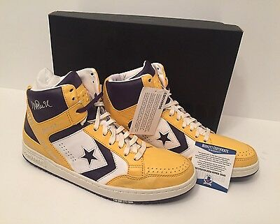 d0e409151f43 MAGIC JOHNSON SIGNED Converse Weapons Shoes