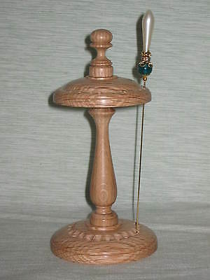 WOODEN HAT PIN DISPLAY STAND in LIGHT OAK WOOD COLLECTABLE. HIJAB PIN RACK