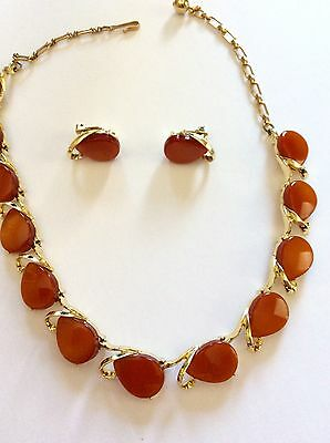 Vintage Thermoset Necklace And Earrings Set
