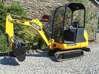 JCB 1.5T MINI DIGGER 8014cts, 3 new buckets,740 hours, year 2014, uk delivery