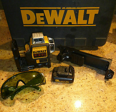 Dewalt DW089LR/LG laser level in the case