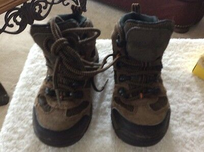 Nevados Boys Brown Hiking Walking Boots Size 11Waterproof