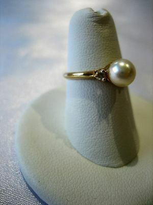Vintage Estate 14k Yellow Gold 6mm Pearl and Diamond Ring 2.1 gr Size 5.5