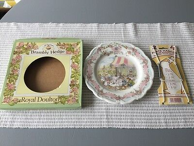 The Wedding Brambly Hedge Royal Doulton Jill Barklem Collector's Plate Boxed