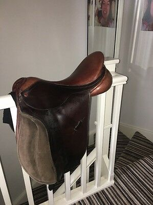 18 Inch Brown Leather Albion Selecta Saddle Medium To Wide Width GP Knee Blocks