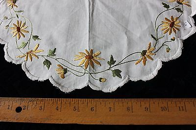 "Antique Society Silk Hand Embroidered Daisies On Linen c 1900~16"" Round"