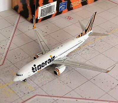 Tigerair B737 Diecast Model Aircraft, 1/400 scale Phoenix