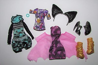 Mixed Clothes/Shoes/Accessories from Ever After High/Monster High Dolls