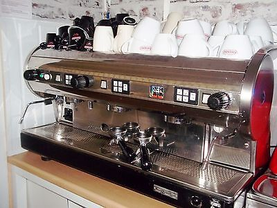 Commercial Catering 3 Group Coffee Machine Grinder And Knock Out Drawer