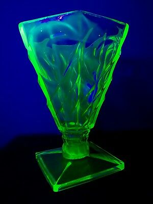 Green Depression Uranium Glass  - Large 20Cm Heavy Vase - Art Deco - 1930S