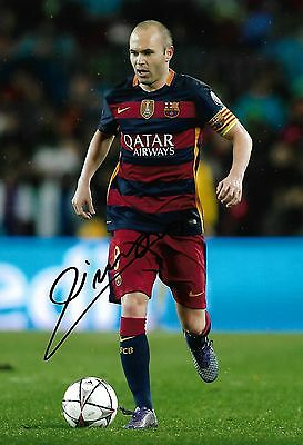 ANDRES INIESTA - Hand Signed 12x8 Photo - Barcelona Spain - Football