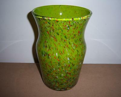SCOTTISH STRATHEARN ART GLASS VASE GREEN WITH SPECKLED CANE INCLUSIONS c.1960's